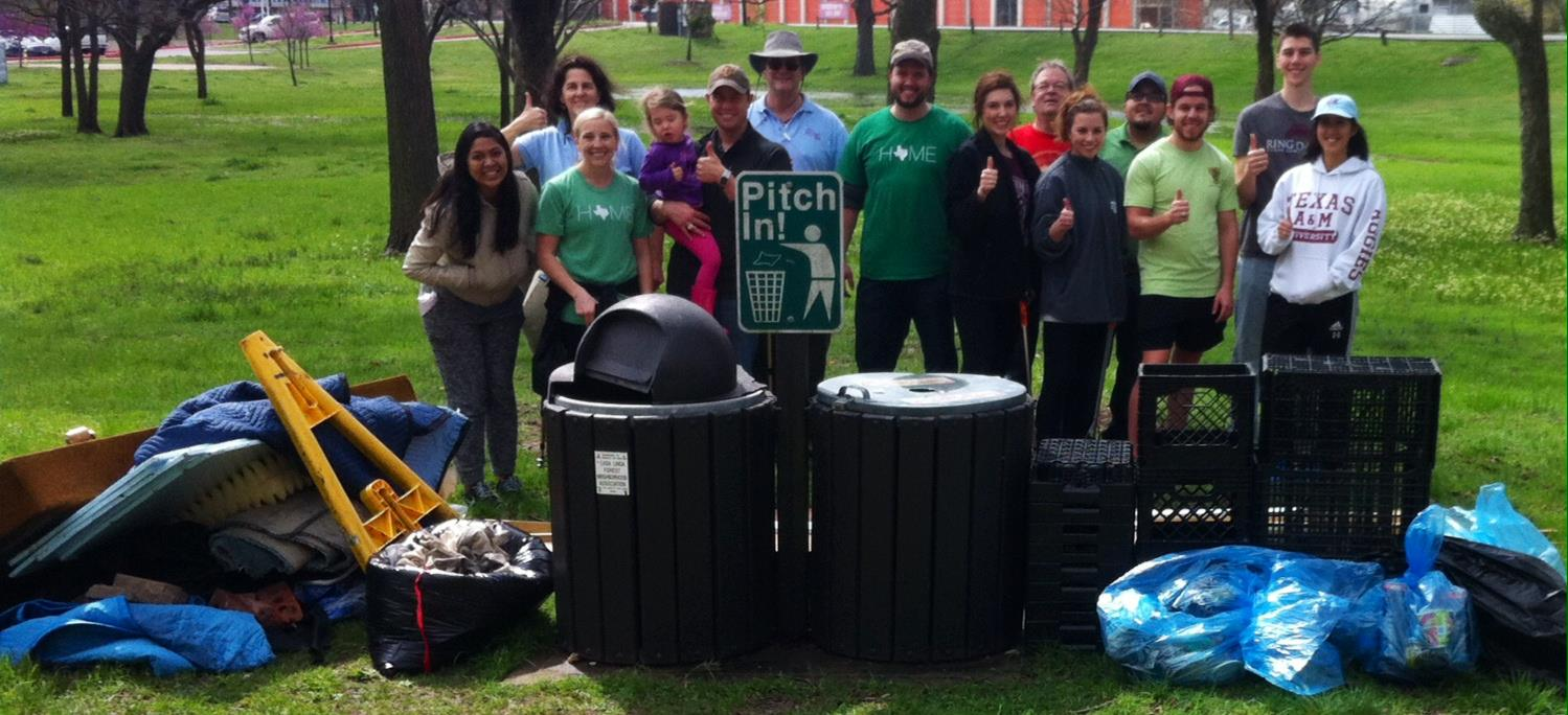 Volunteers collect litter at White Rock Lake Park