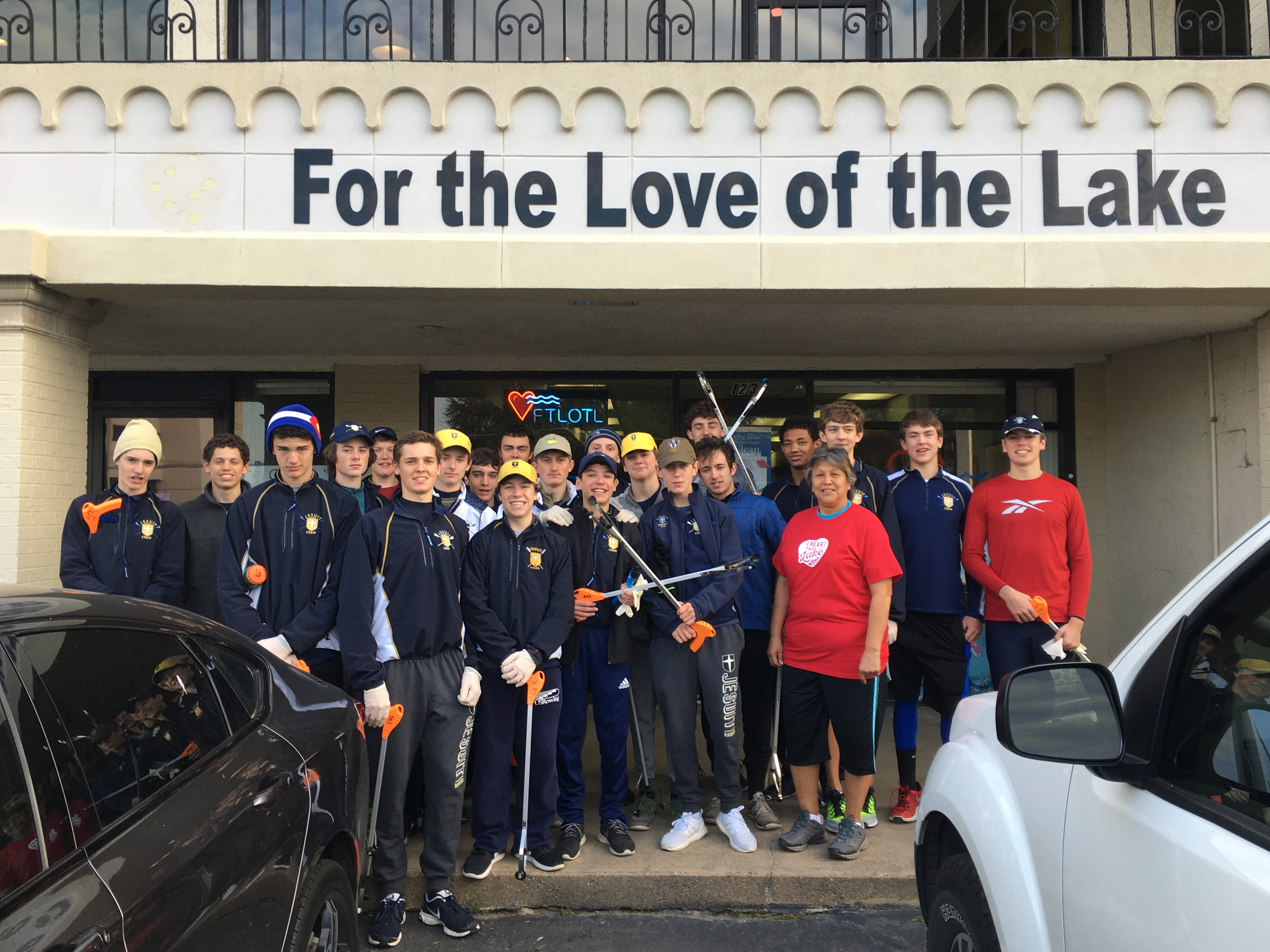 Jesuit Rowing Team Cleans Up Over Spring Break!